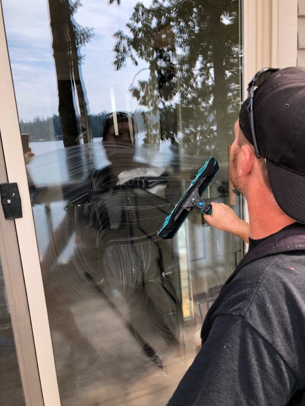 Cleaning sliding glass door snohomish county wa 98290
