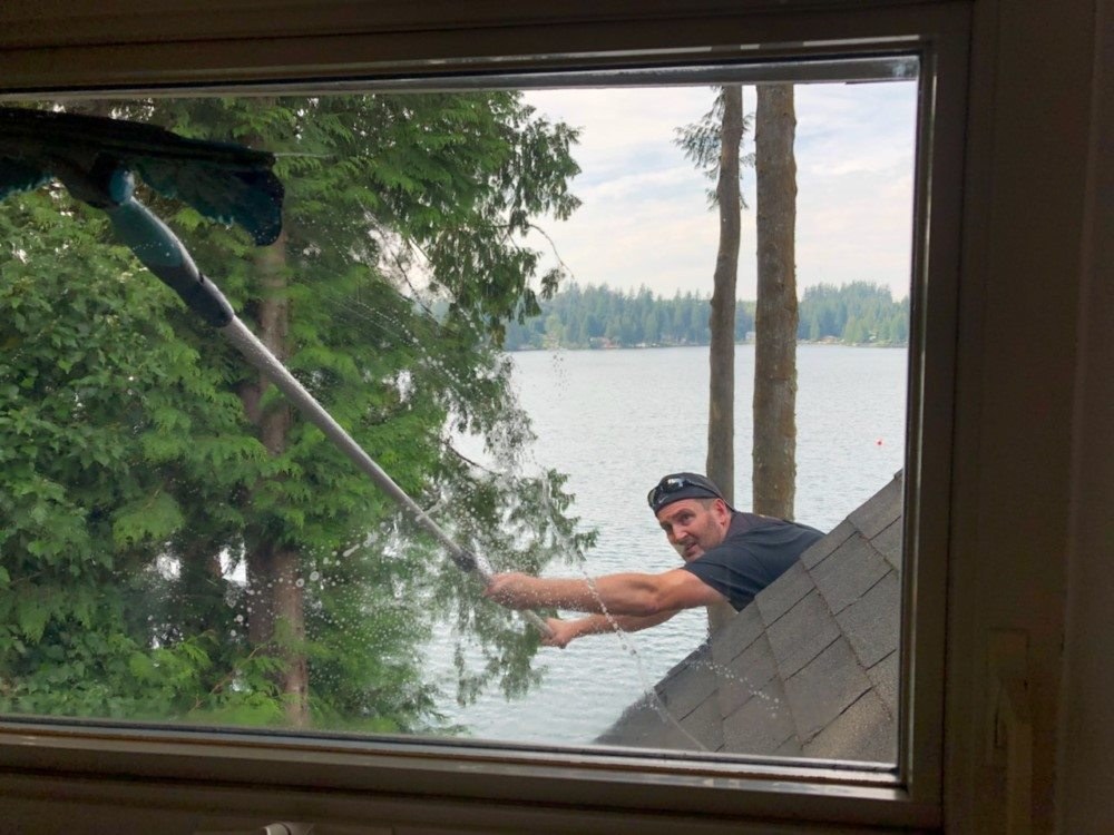 Difficult to access window on residential house in snohomish 98290